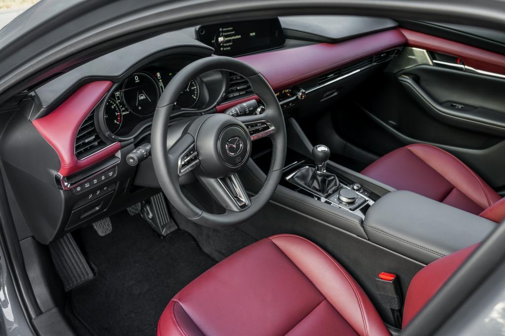 4. Wanneer komt de Mazda3 Skyactiv-X en wat kost-ie?