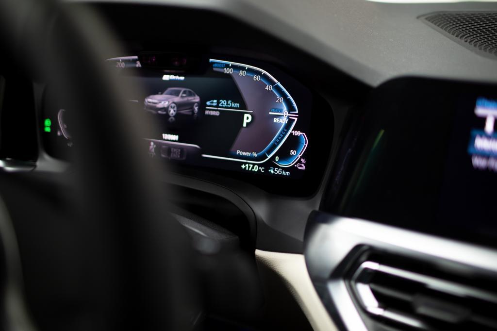 Wanneer komt de BMW 330e en wat kost-ie?