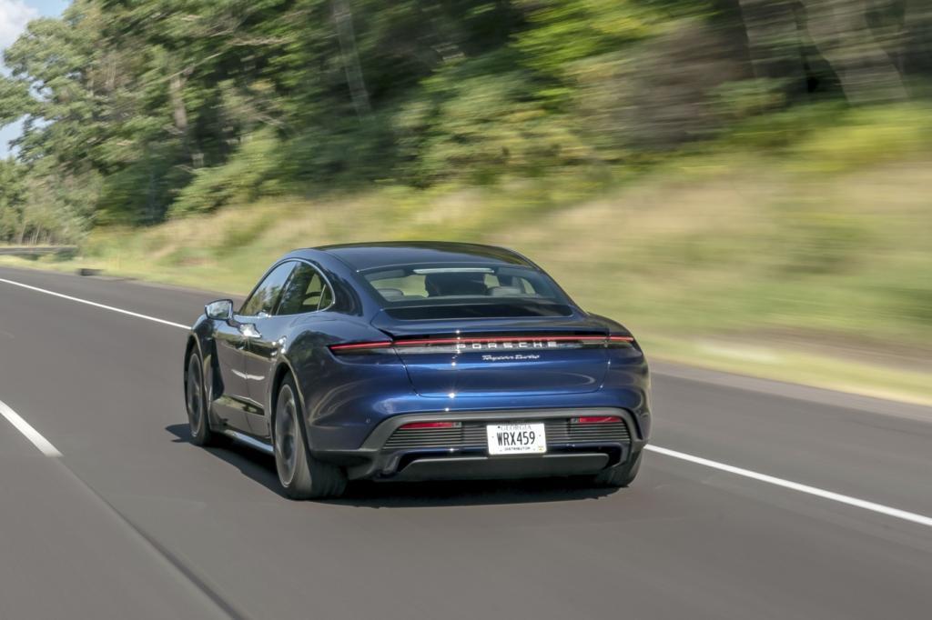 Wat is er opvallend aan de Porsche Taycan?