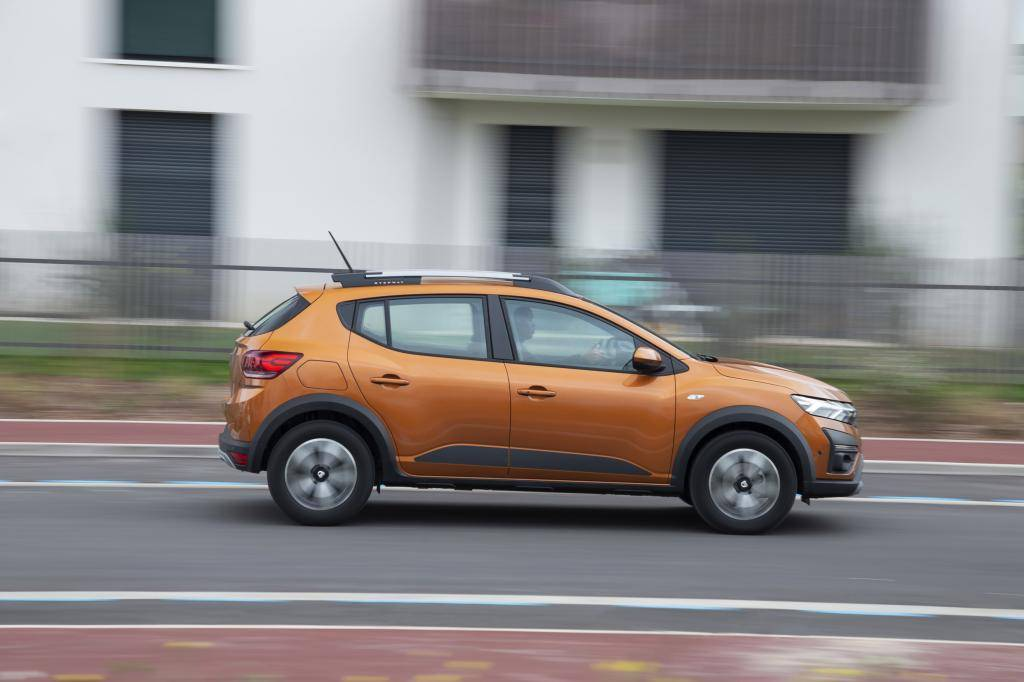 Eerste review: lentekriebels bij de Dacia Sandero Stepway BiFuel (2021)