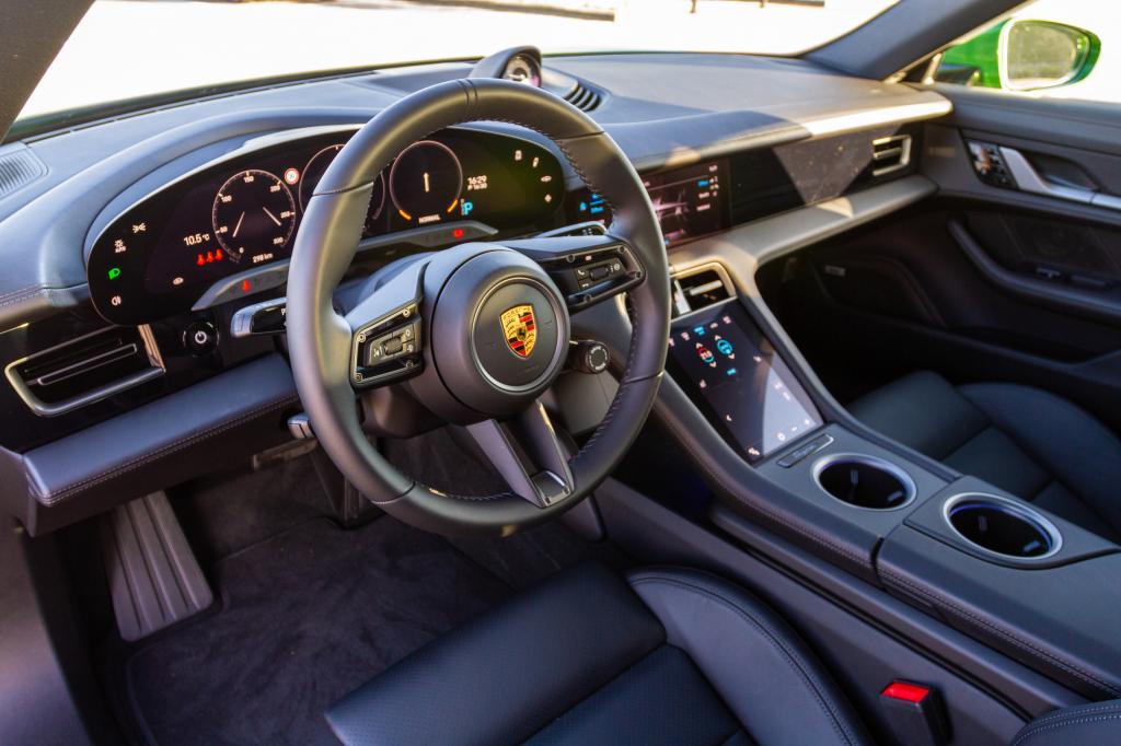 Eerste review Porsche Taycan: zo rijdt de op één na goedkoopste Porsche