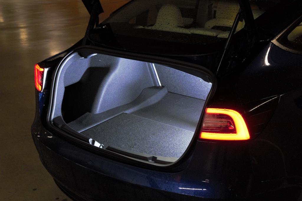 Eerste review: de Tesla Model 3 Long Range (2021) is merkbaar verbeterd
