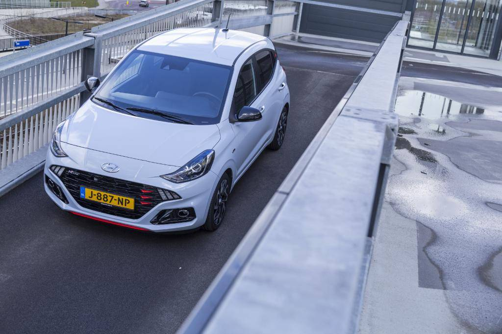 Revisión del Hyundai i10: un coche más barato que los 15.000 euros, todavía es posible