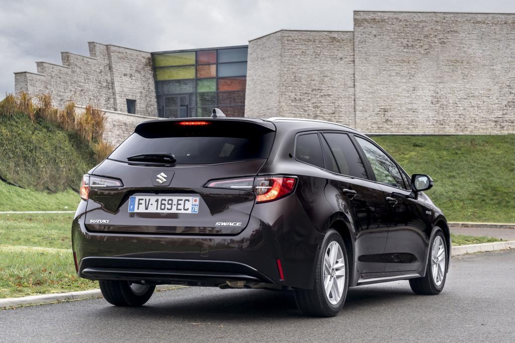 Eerste review: is de Suzuki Swace aantrekkelijker dan de Toyota Corolla?