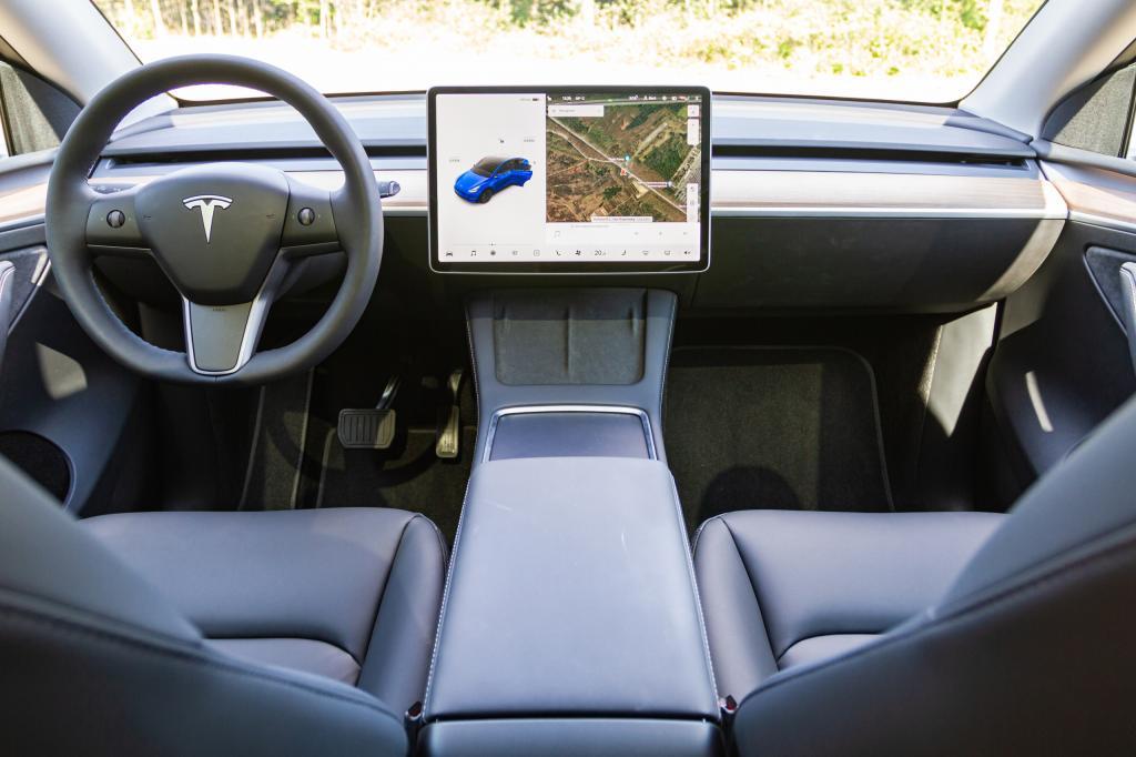 Primera revisión: Tesla Model Y corrige los mayores defectos Model 3