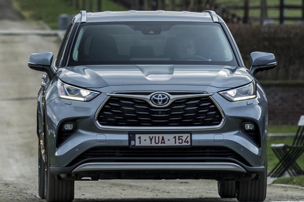 Review Toyota Highlander Hybrid: Zeeën van ruimte en golven van trekkracht