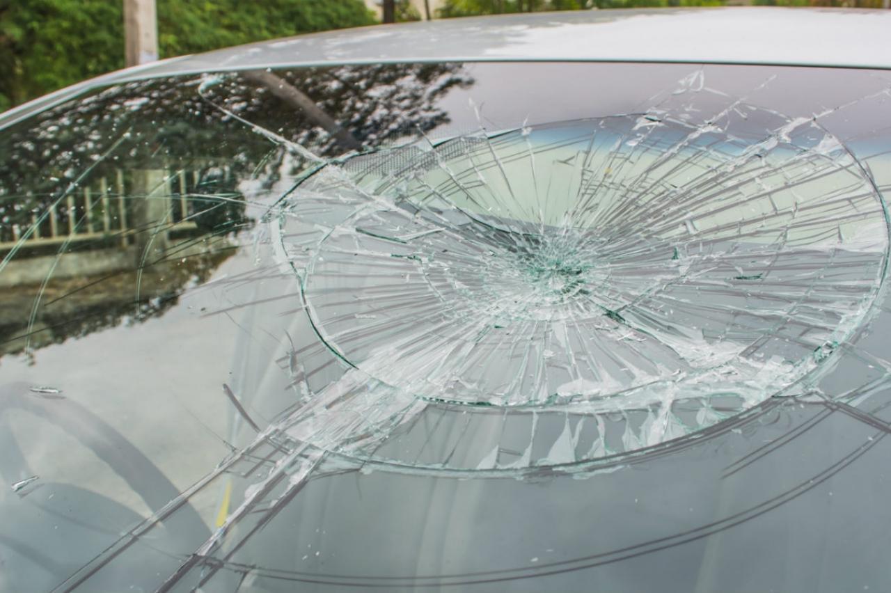 Coronarellen en vandalisme: welke schade aan je auto is verzekerd?
