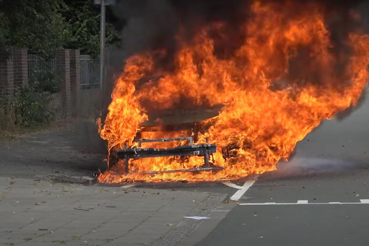 Waarom vloog een Volkswagen ID.3 in Groningen in brand? VW doet onderzoek
