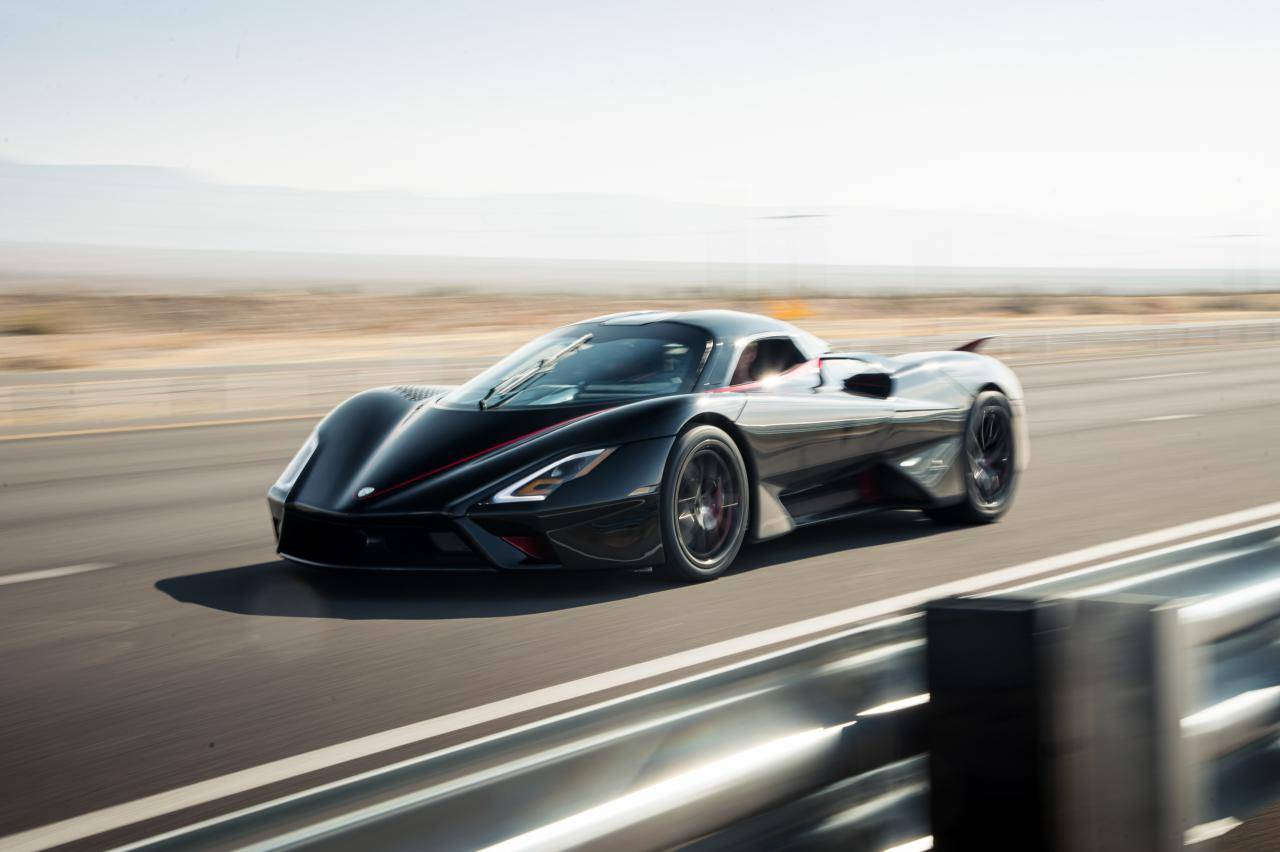 Snelste auto ter wereld: SSC Tuatara heeft 508 km/h gehaald