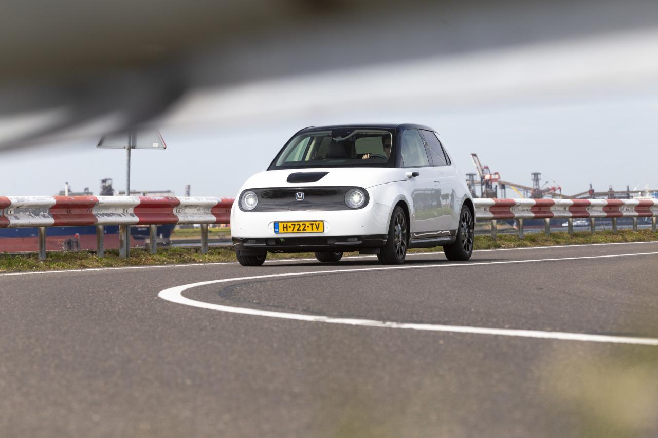 Aantal elektrische auto's en hybrides op Marktplaats groeit explosief