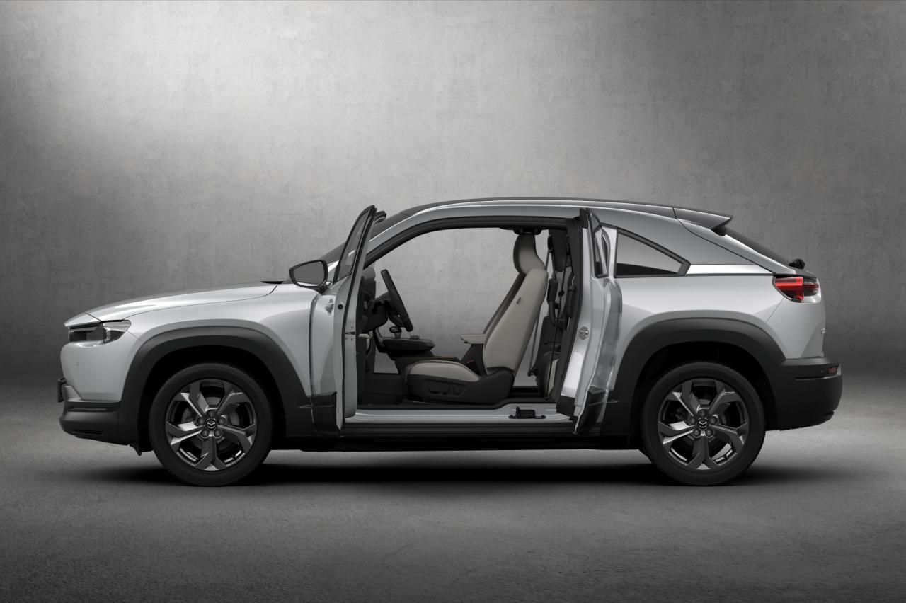 Huh? Elektrische Mazda MX-30 krijgt in Japan een benzinemotor
