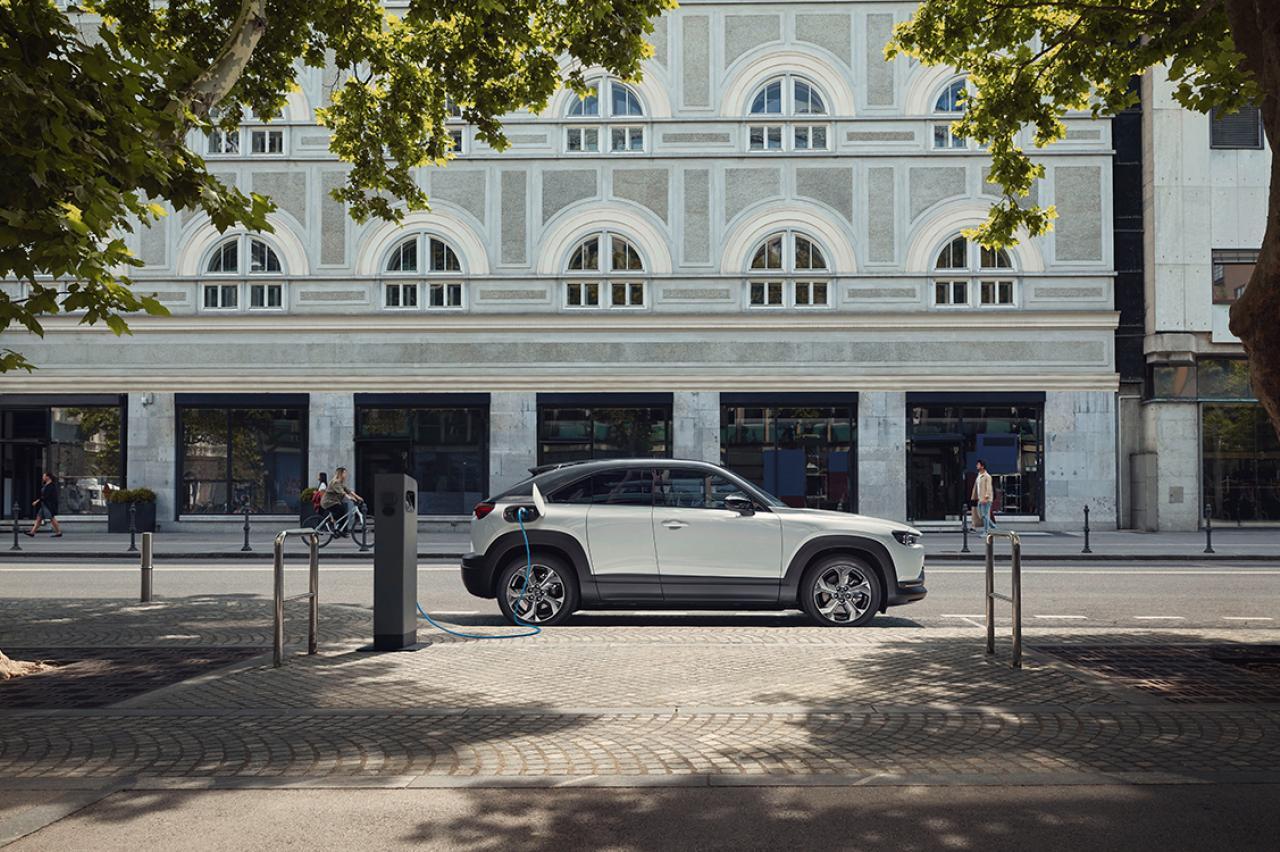 Heeft de nieuwe versie van de Mazda MX-30 wél een grote actieradius?