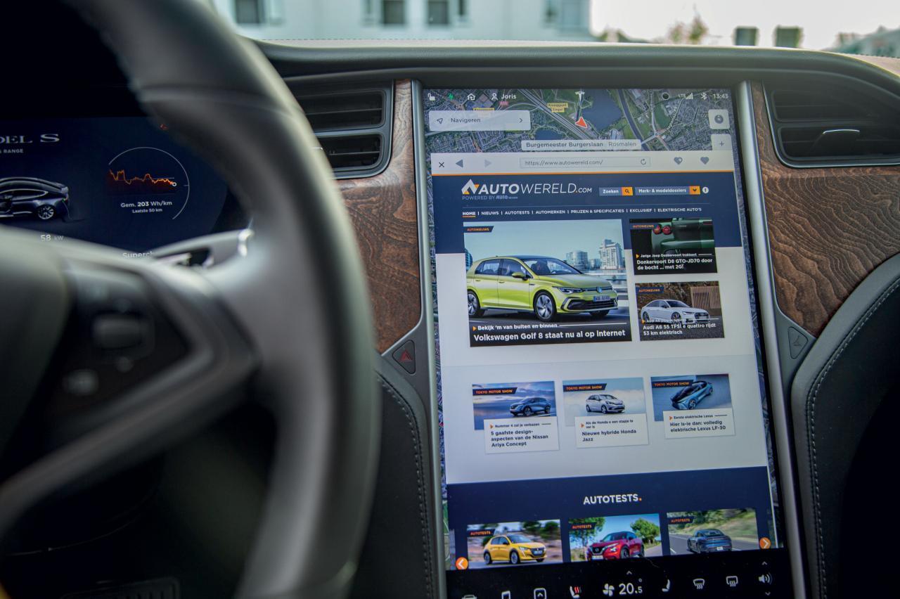 Waarom Tesla 158.000 auto's moet terugroepen