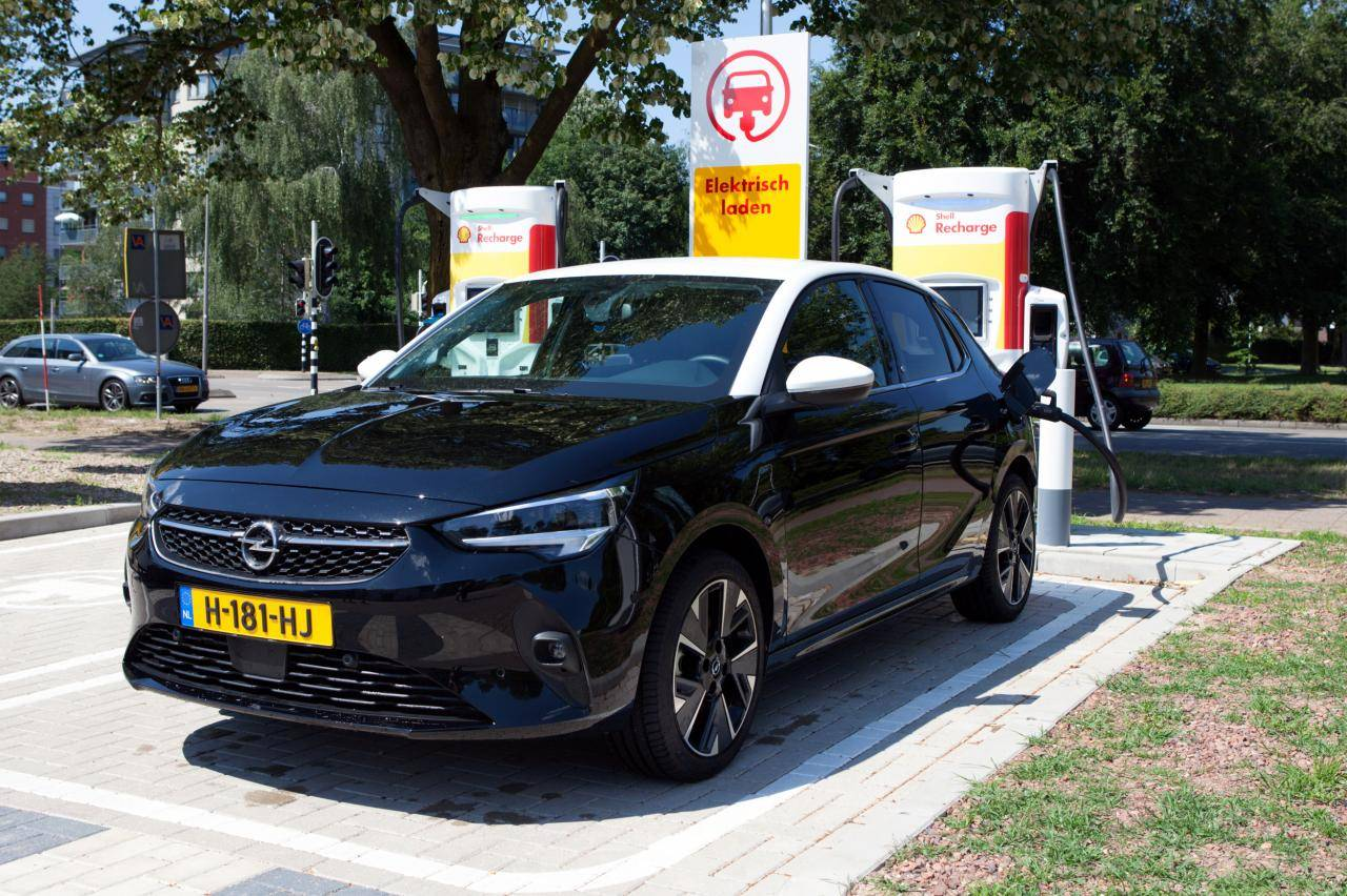 Opel Corsa-e: snelladen met 100 kW doe je zo
