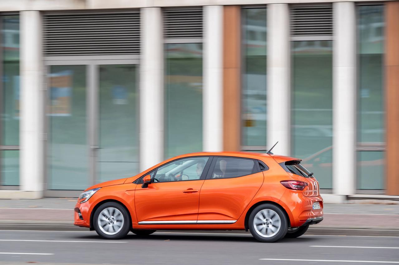 Zo veel duurder is de Volkswagen Polo dan de Renault Clio