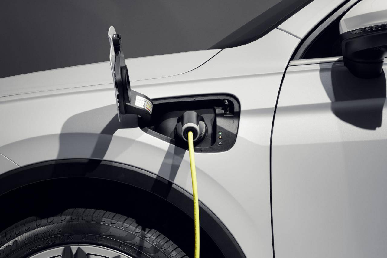 Open deur-onderzoek: 'Plug-in hybrides zijn viezer dan je denkt'