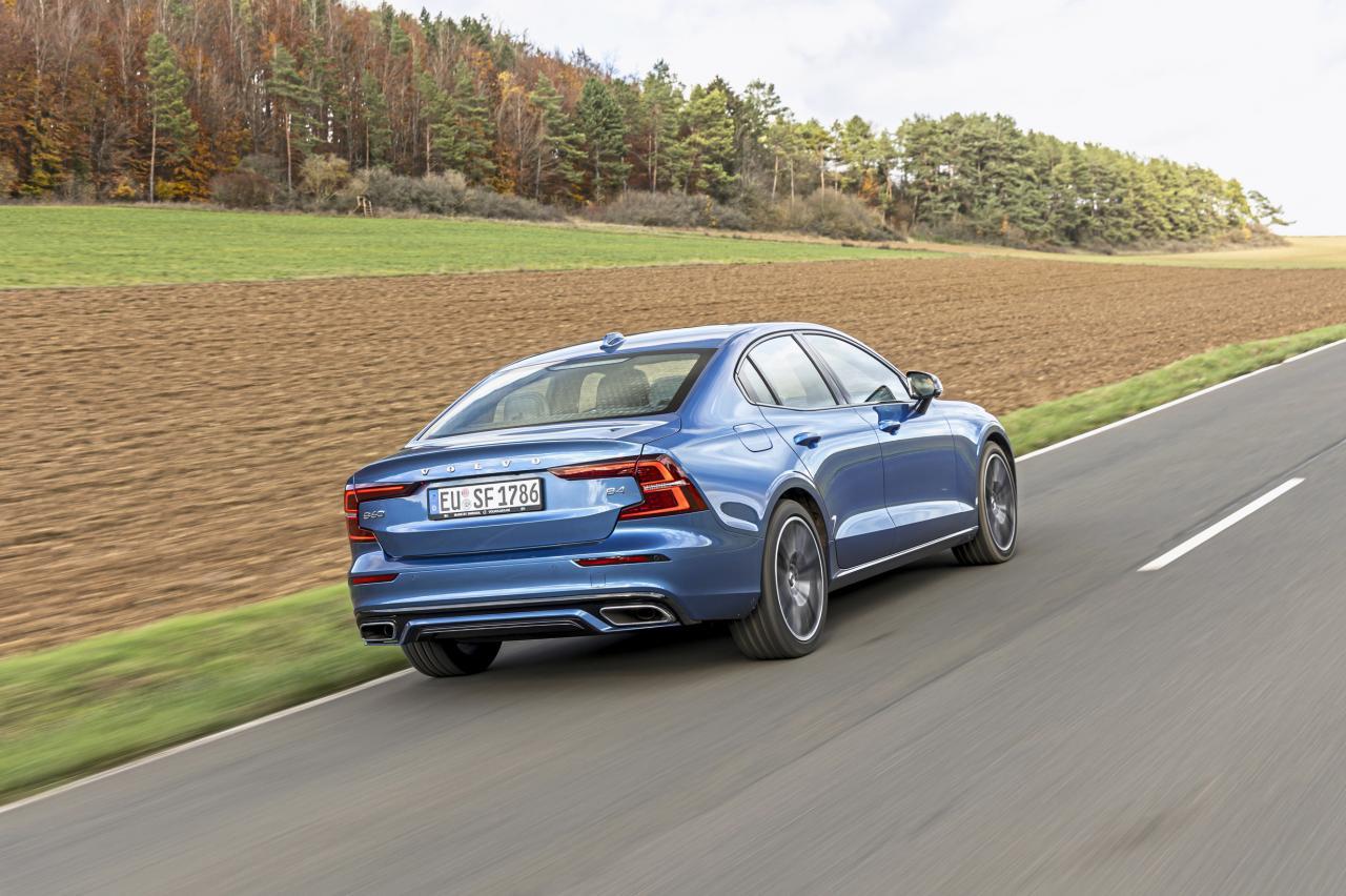 BMW 320i, Volvo S60 en Opel Insignia getest: waarom jij geen suv wilt