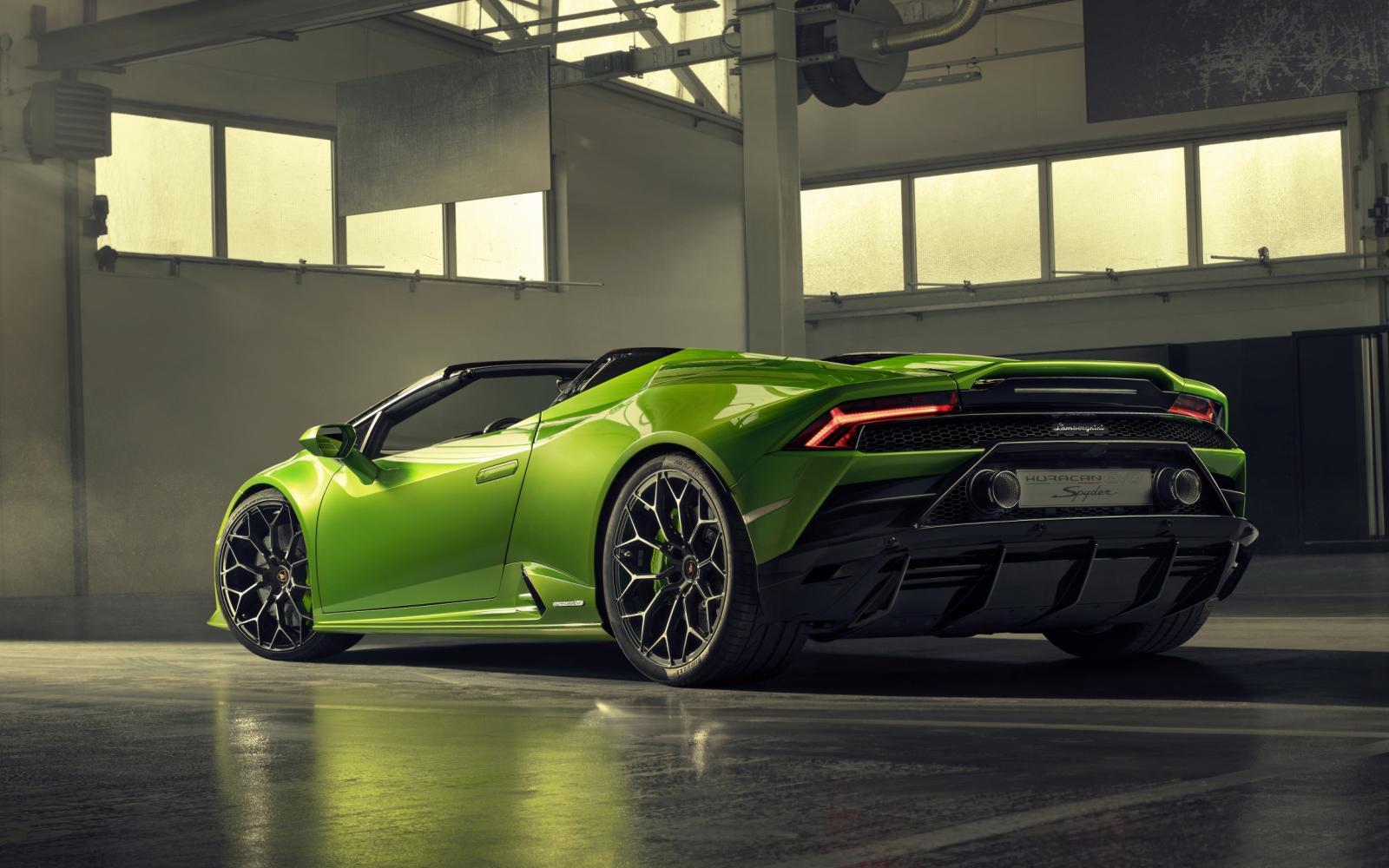 Open genot met Lamborghini Huracan Evo Spyder