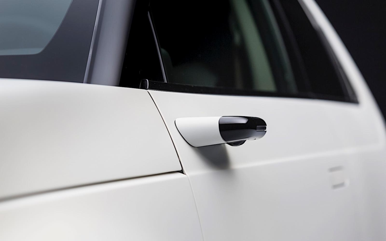 Duur hè, die virtuele spiegels op je Audi e-tron! Honda geeft ze gratis weg!