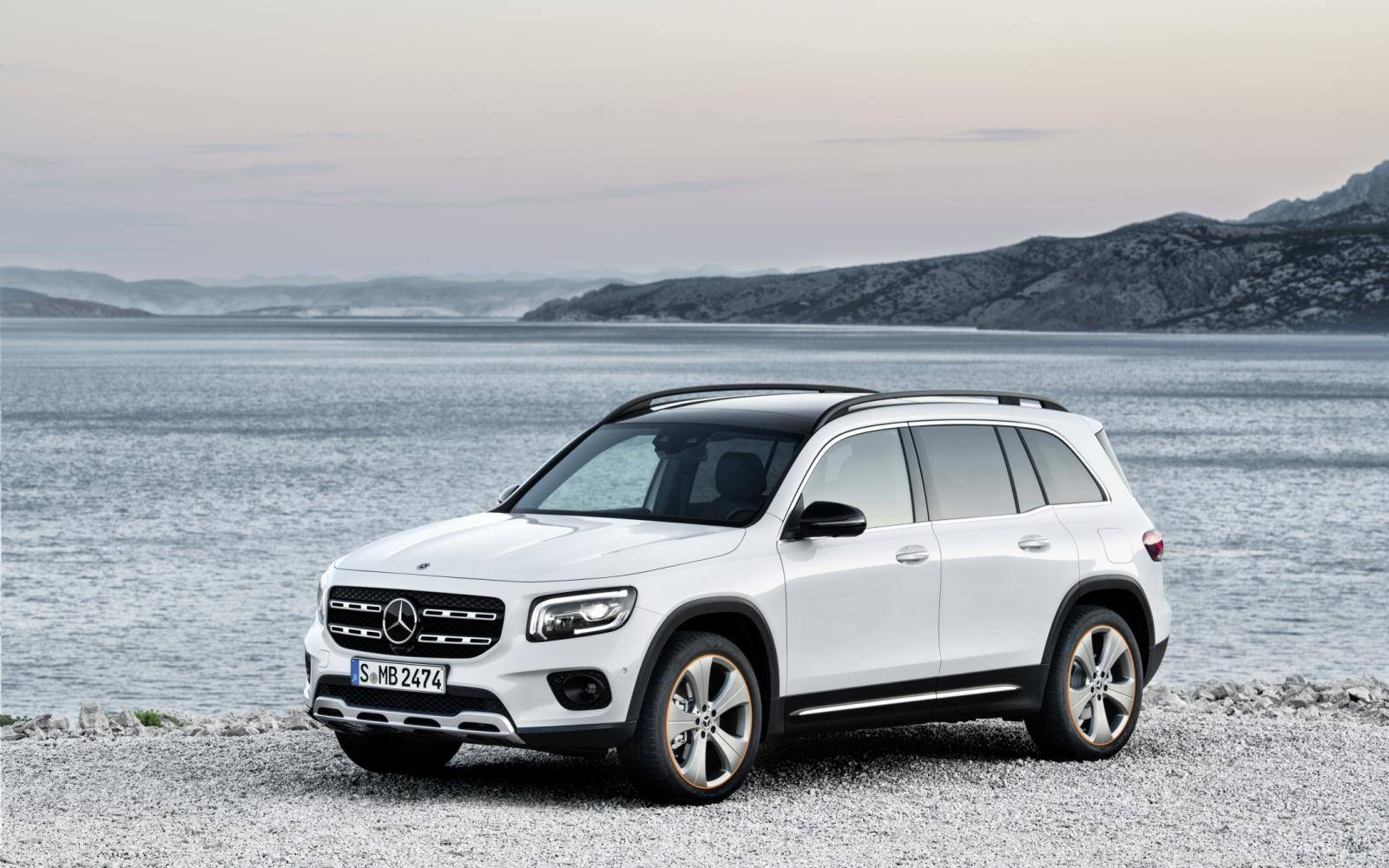 Mercedes GLB nu officieel: stoere suv met 7 zitplaatsen
