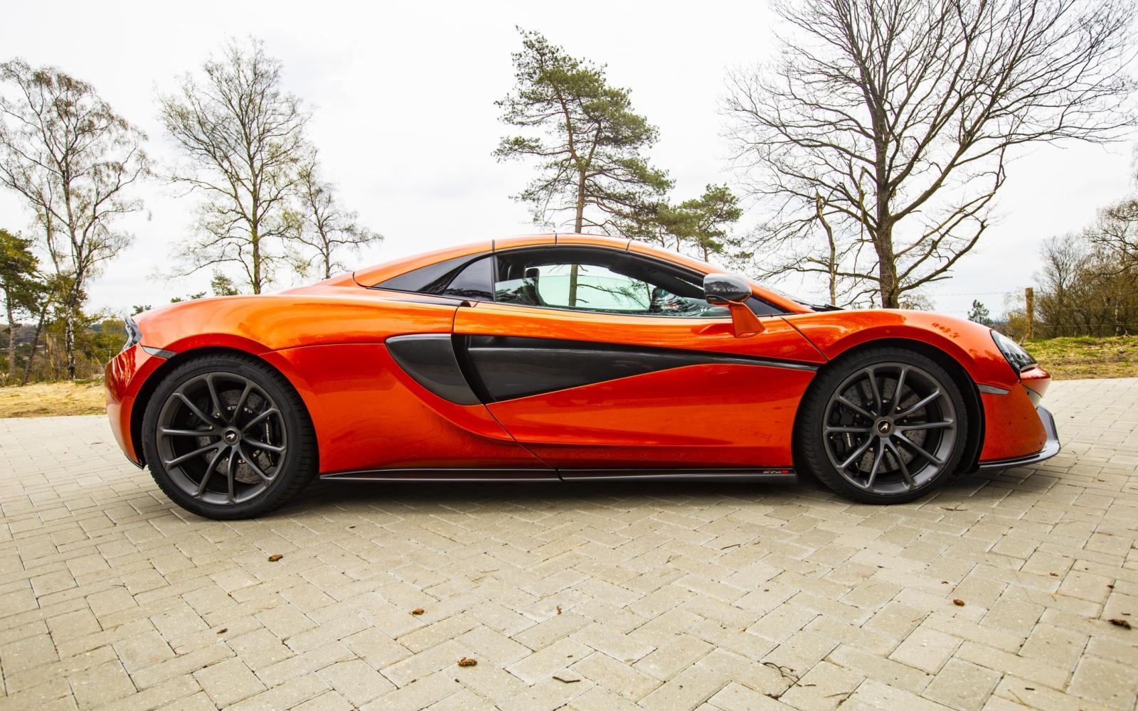 De McLaren 570S Spider is onweerstaanbaar