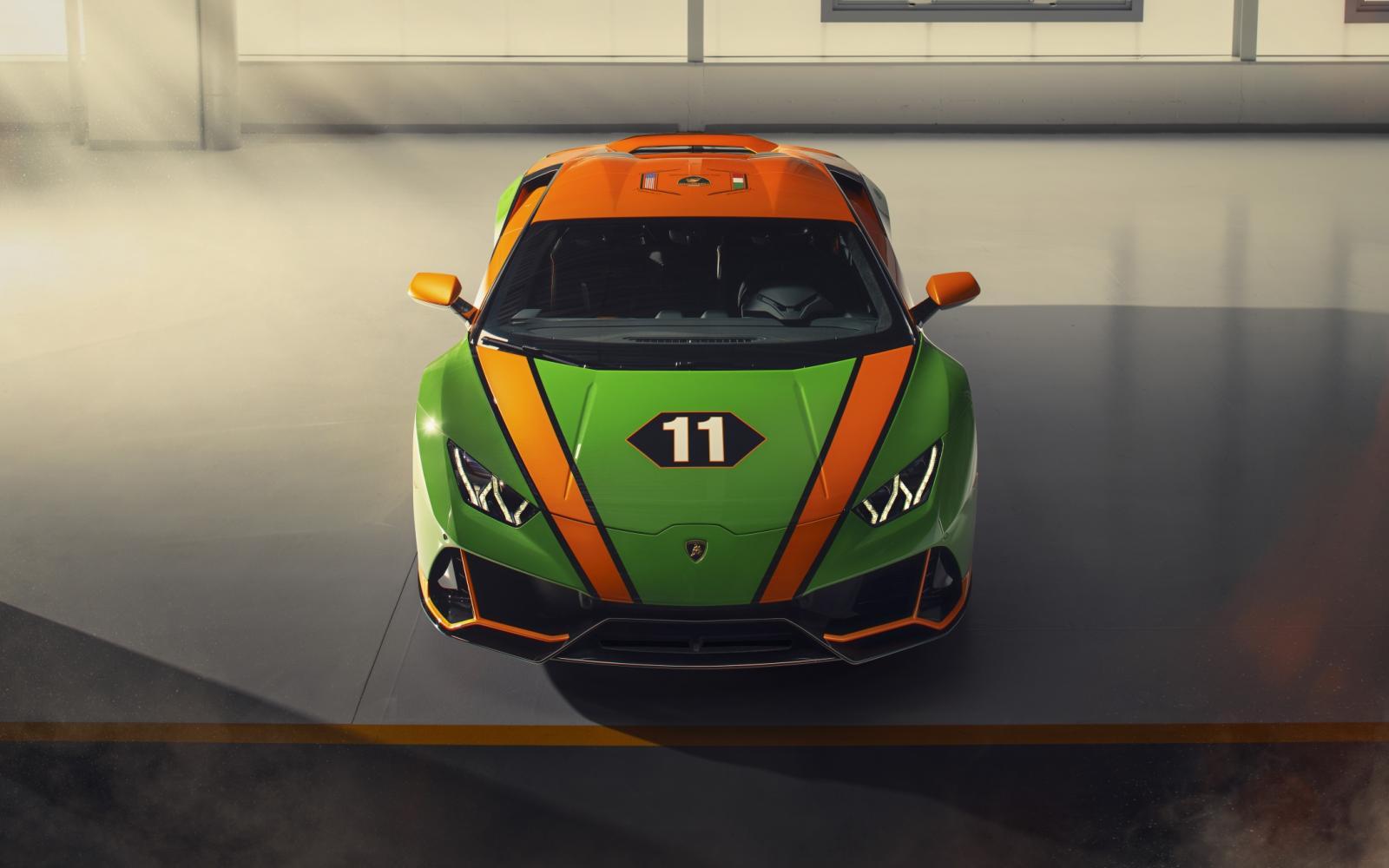 Wat heeft Lamborghini te vieren met deze 'actiemodelletjes'?