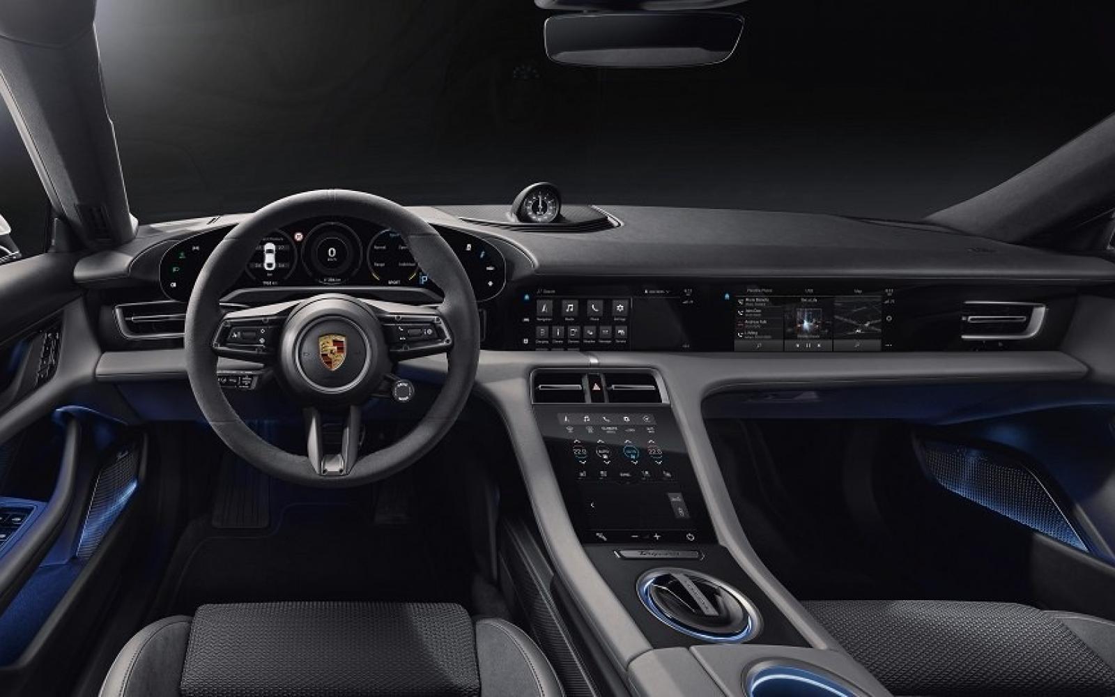 Waarom heeft de bijrijder in de Porsche Taycan zijn eigen scherm?