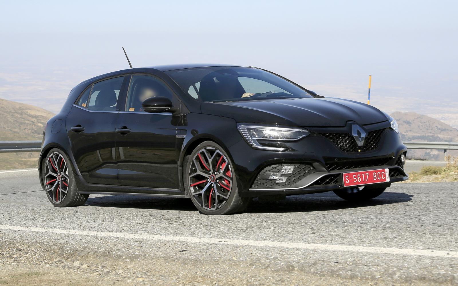 Renault Megane Rs Maakt Bergwandeling In Z N Nakie Autowereld Com