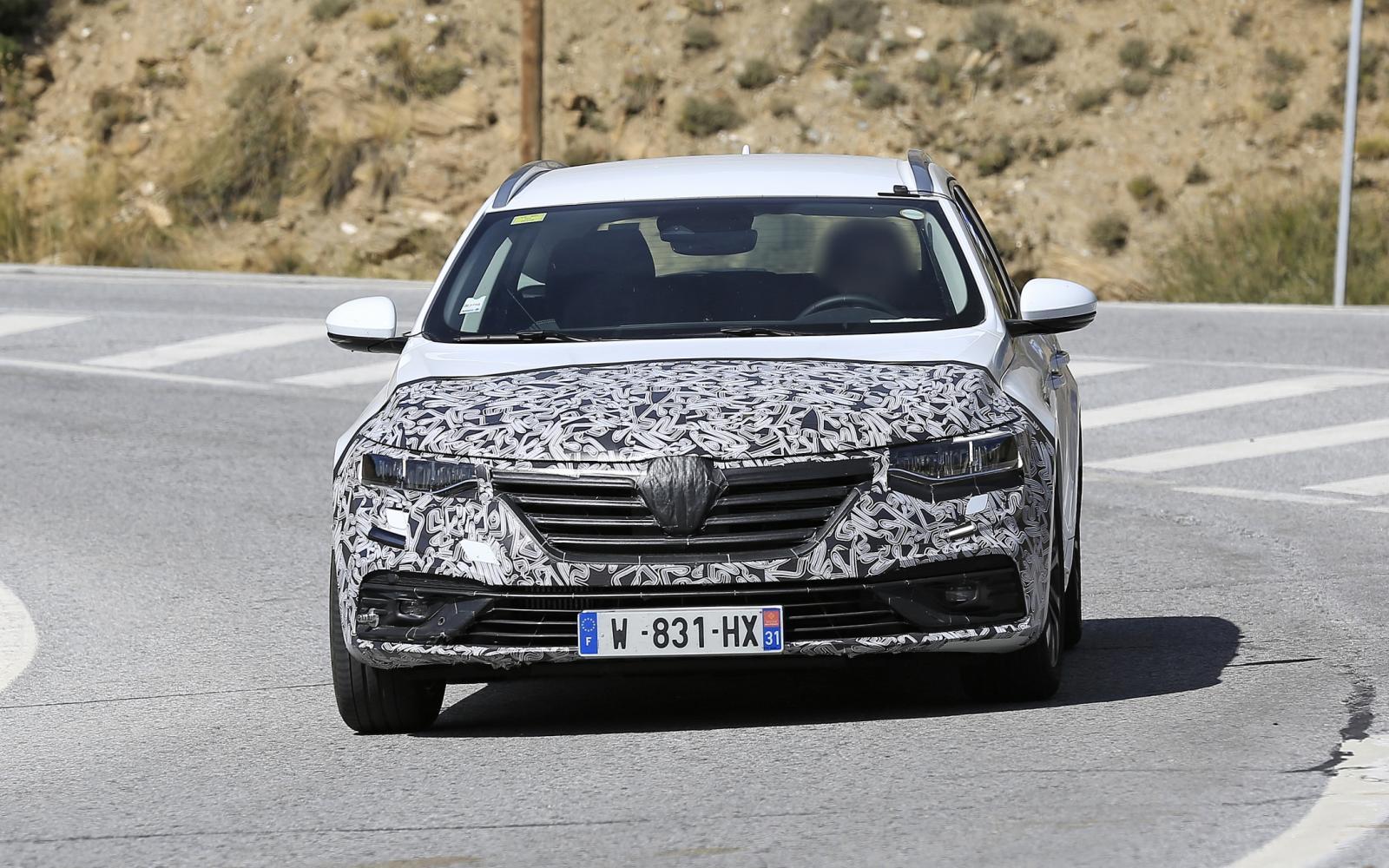 Facelift Renault Talisman onderweg