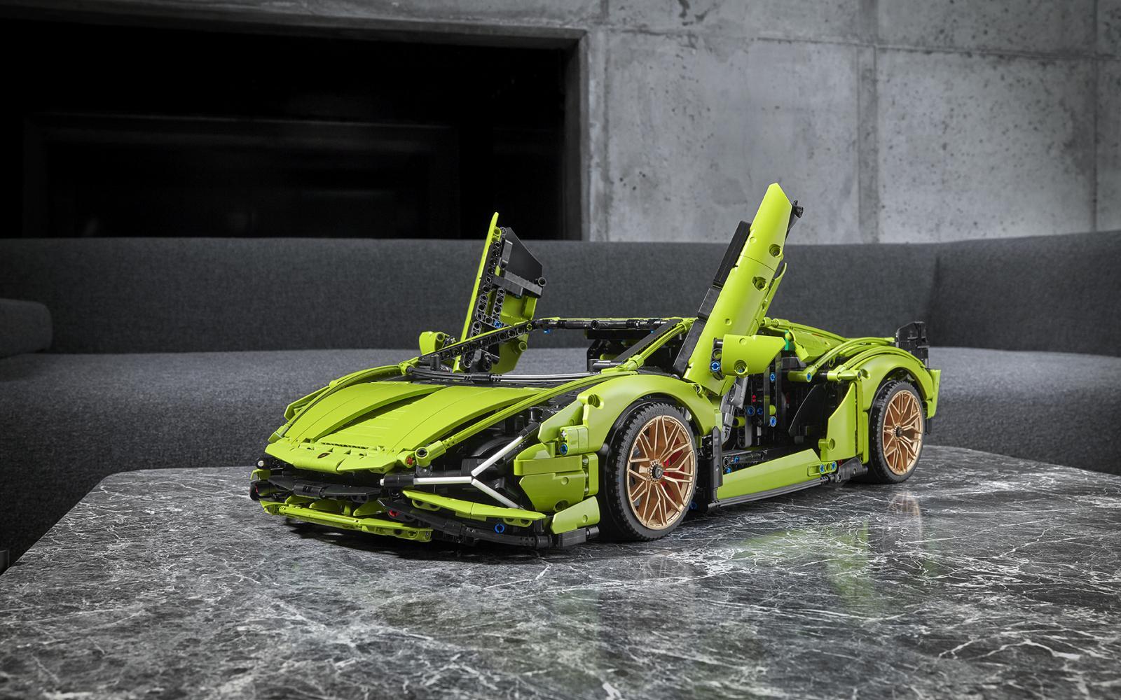 Lego voor gevorderden! Deze Lamborghini Sián bestaat uit 3696 steentjes
