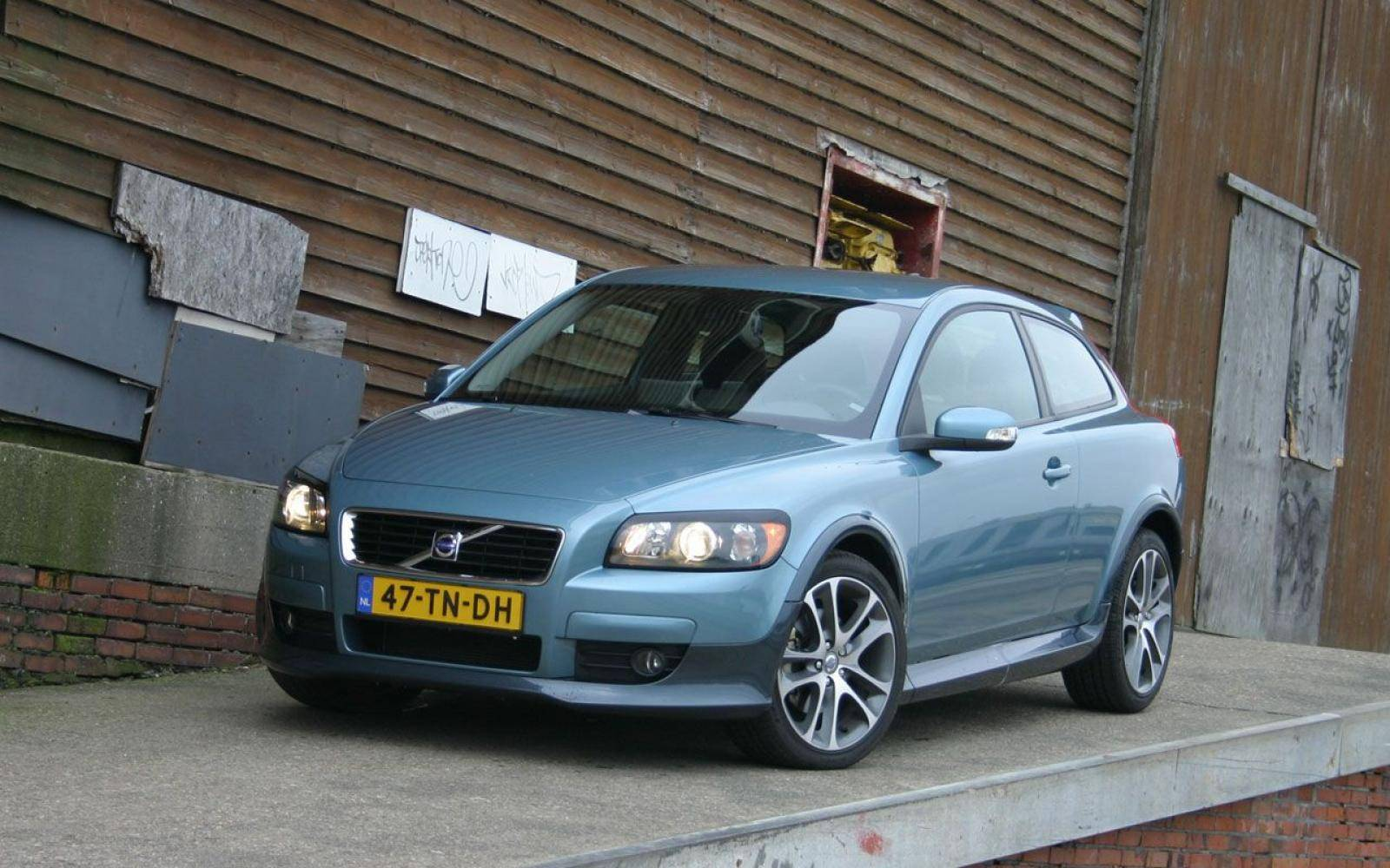 Volvo C30: Hate it or love it