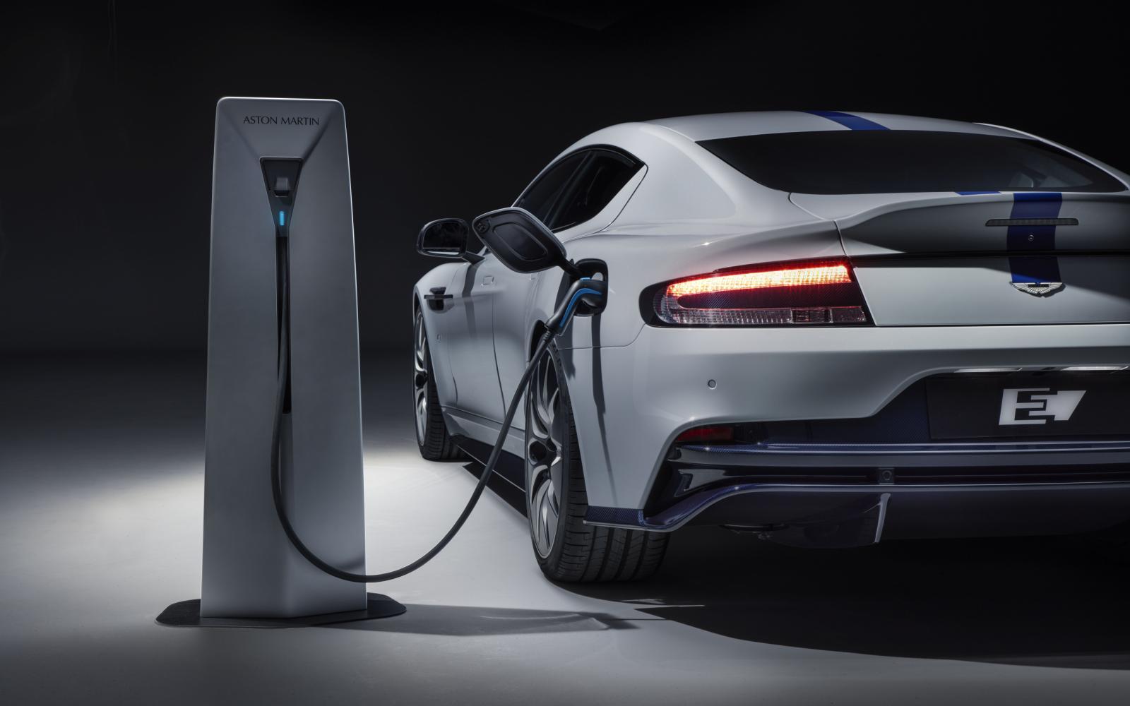 De elektrische Aston Martin Rapide E is afgeblazen! Maar waarom?