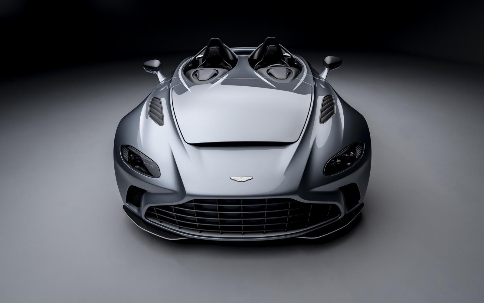 Doe een helm op! Want de Aston Martin V12 Speedster loopt 300 km/h