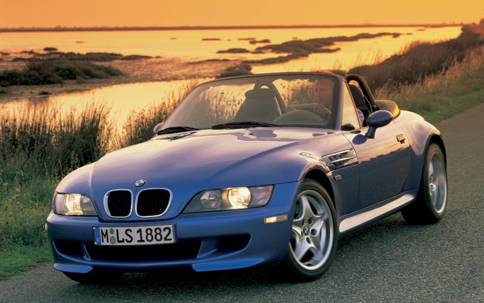 Blue Monday: Van deze blauwe sportauto's word je weer vrolijk