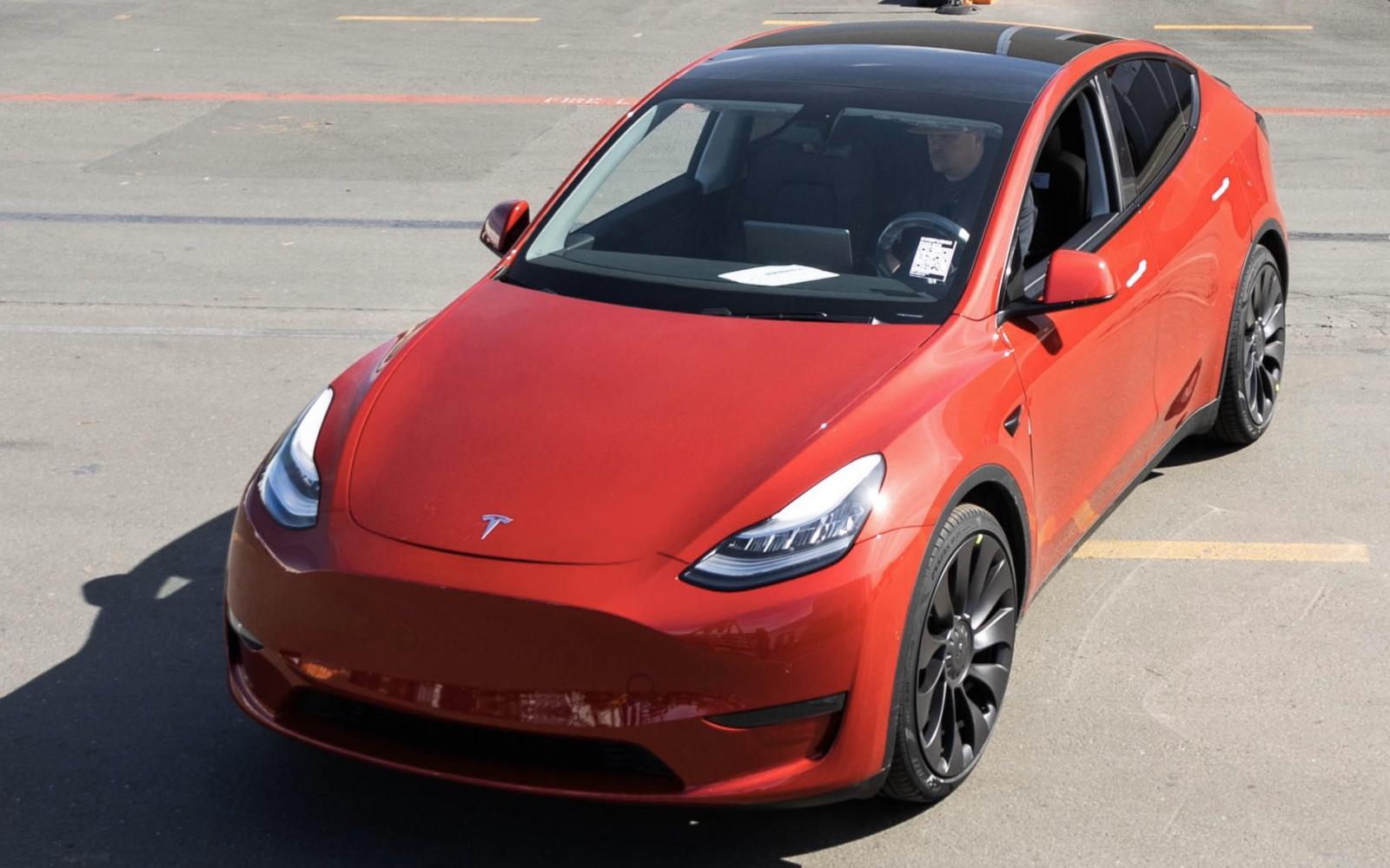 Tesla Model Y wordt nu al uitgeleverd! Maanden eerder dan gepland