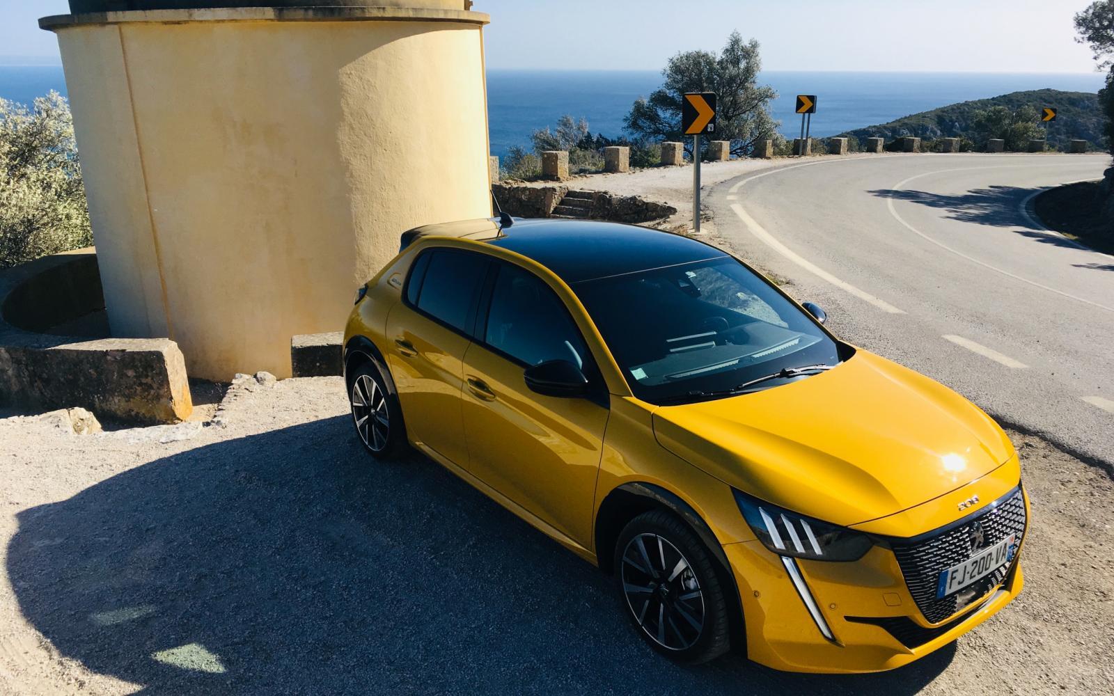 Jaune Faro-geel is gratis op de nieuwe Peugeot 208