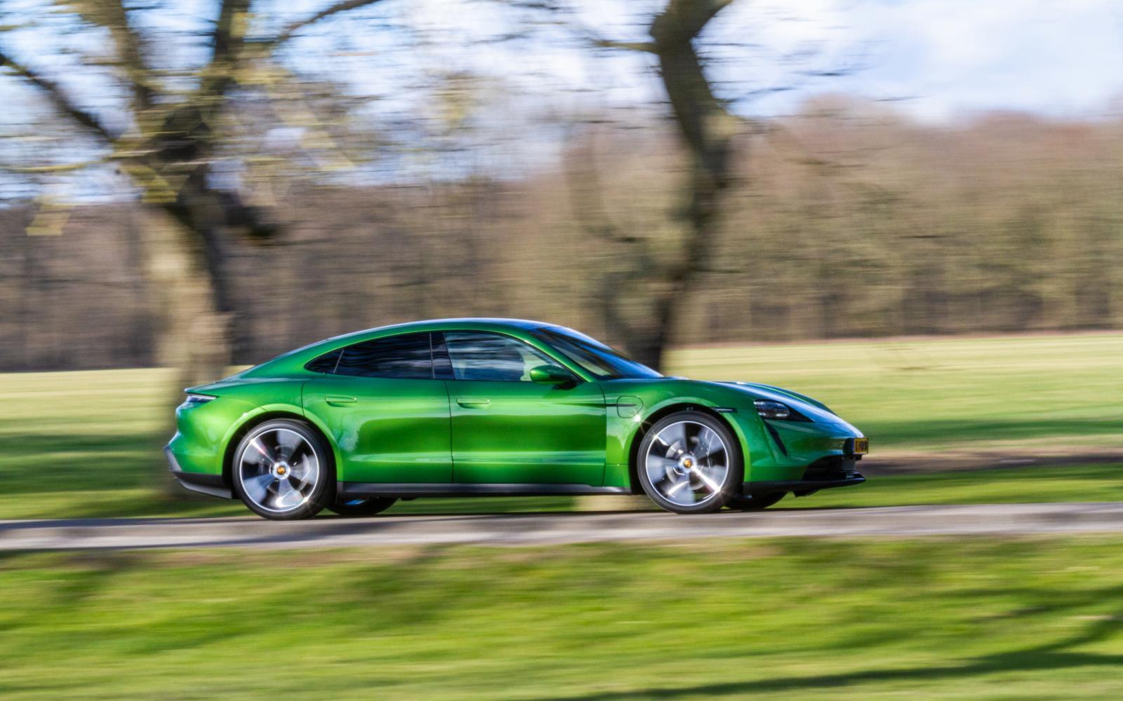Test - De elektrische Porsche Taycan geeft het groene voorbeeld