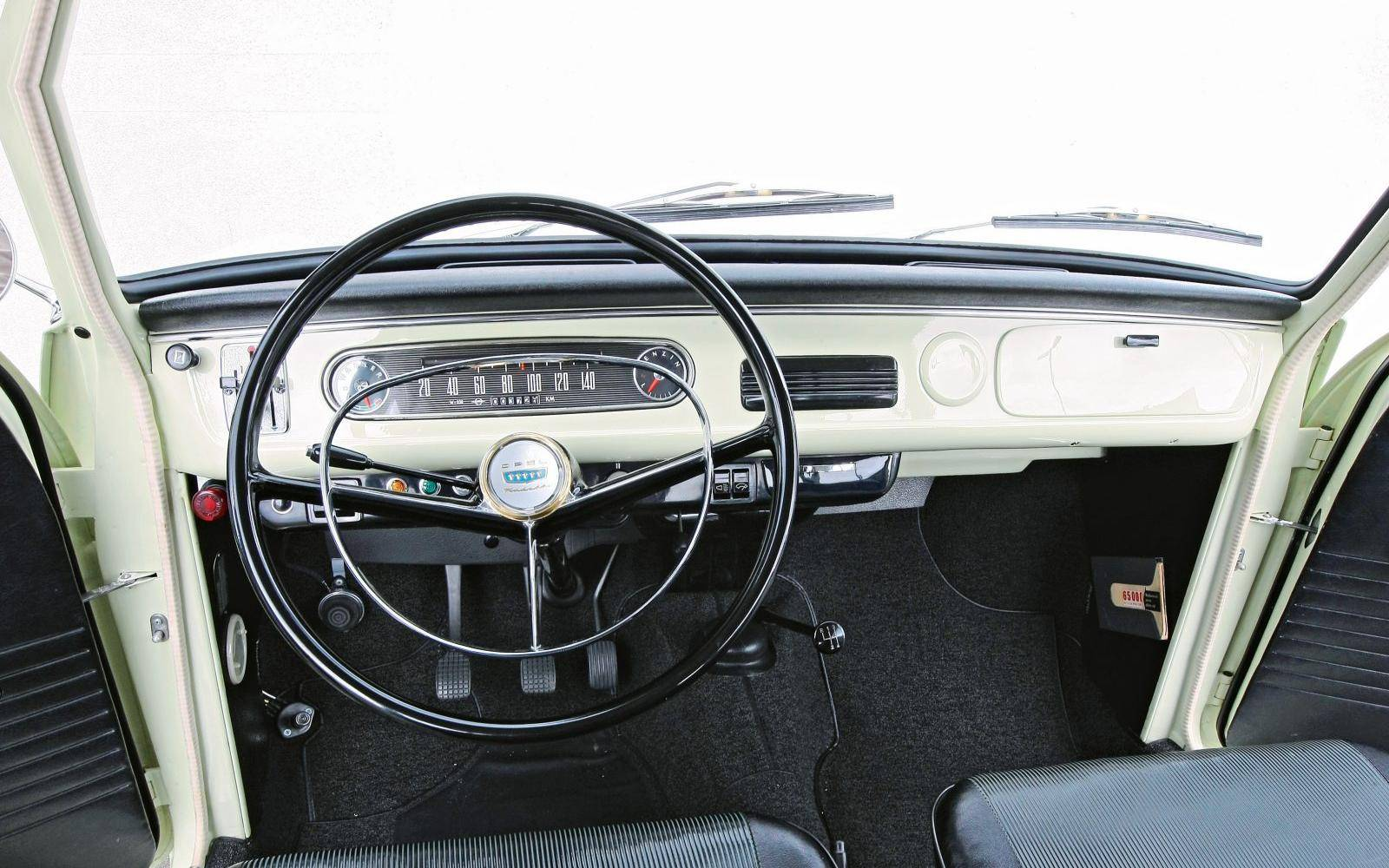 Lifestyle-combi? Dat woord kent de Opel Kadett A Caravan niet