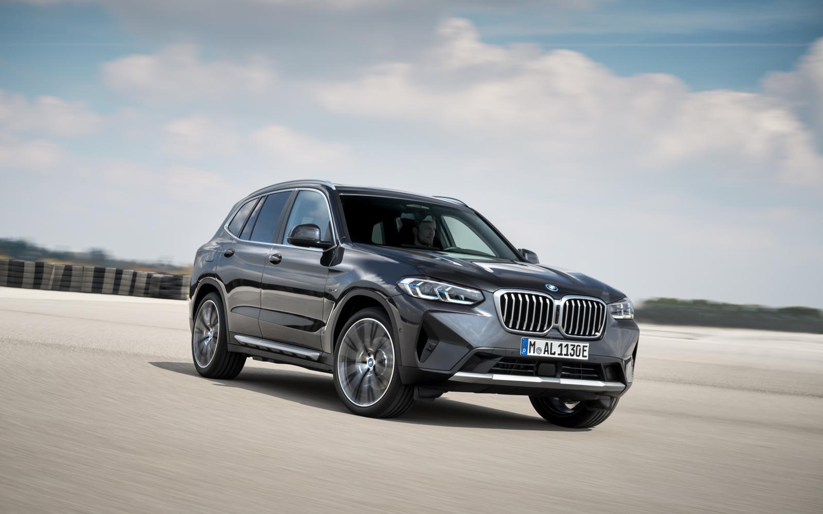 Prijs BMW X3 en BMW X4 - Facelift voegt 'zuinige' mild hybrid-techniek toe