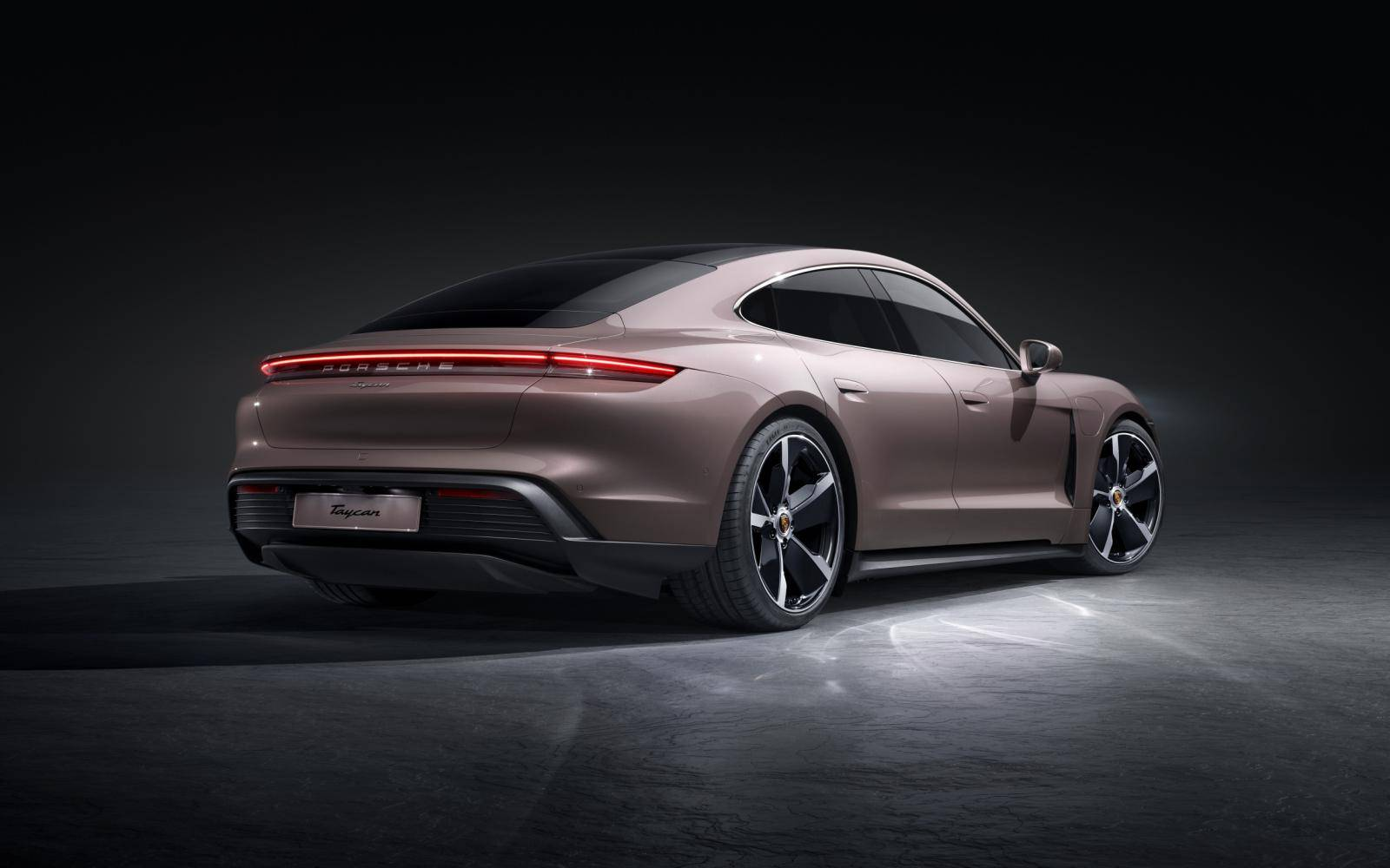 Elektrische Porsche Taycan nu eindelijk onder de 100.000 euro