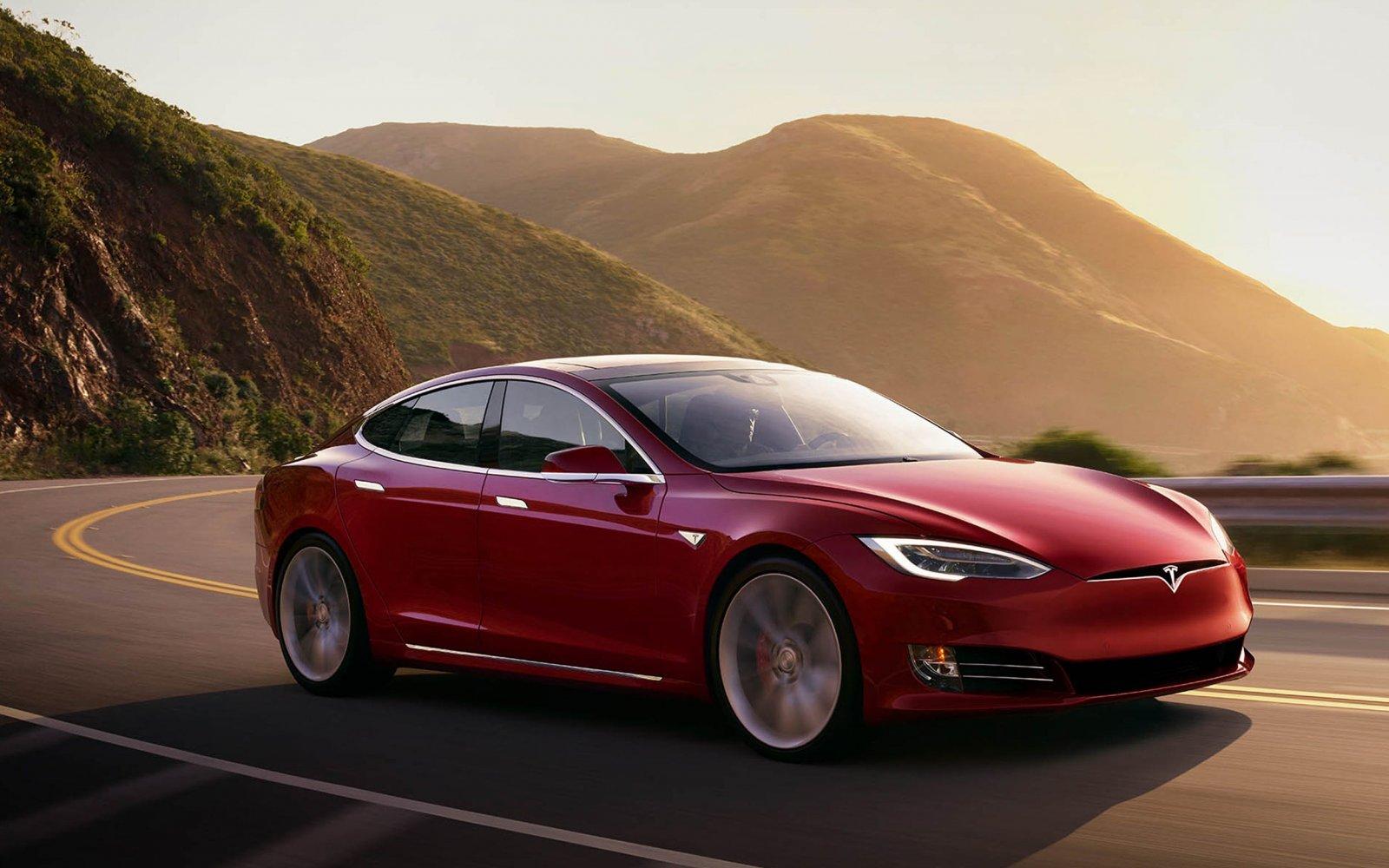 Stekker uit snelste Tesla aller tijden