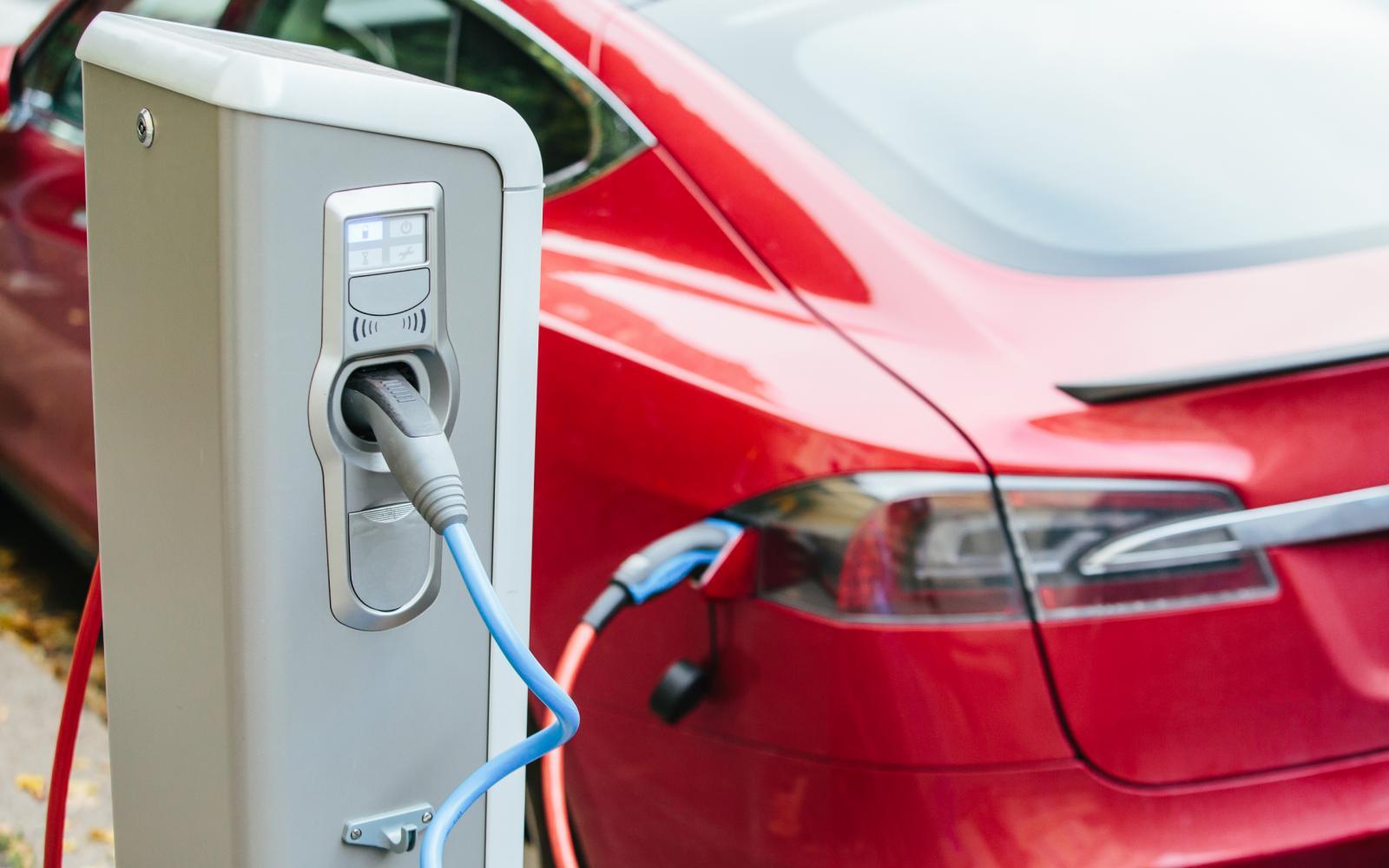 Green deal: paniek om niets! Auto met verbrandingsmotor nog lang niet dood