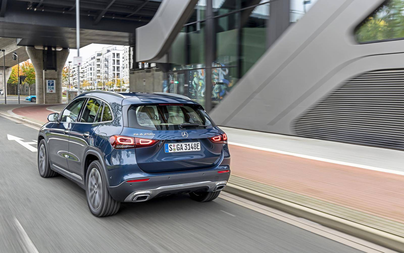 Hybrid SUVs tested: that's how economical are the Volvo XC40 Plug-in Hybrid and Mercedes GLA 250e