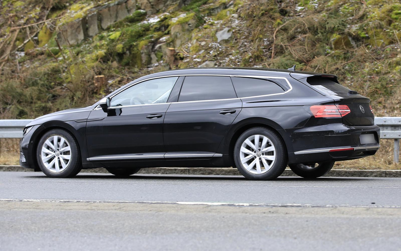 De Volkswagen Arteon Shooting Brake heeft hangbillen