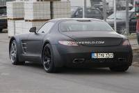 Mercedes SLS AMG Black Series onderweg