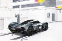 Aston Martin en Red Bull showen AM-RB-001