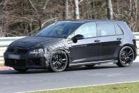 Volkswagen Golf R knalt over de Nürburgring