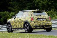 MINI Cooper S is in z´n sas op de Ring