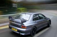 Mitsubishi Lancer Evolution VIII MR FQ-400