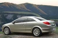 Opel Astra TwinTop onthuld